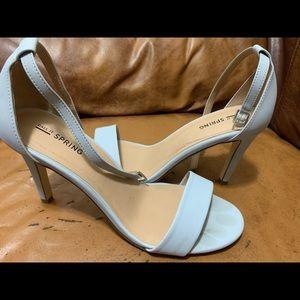 Stylish heeled sandals!